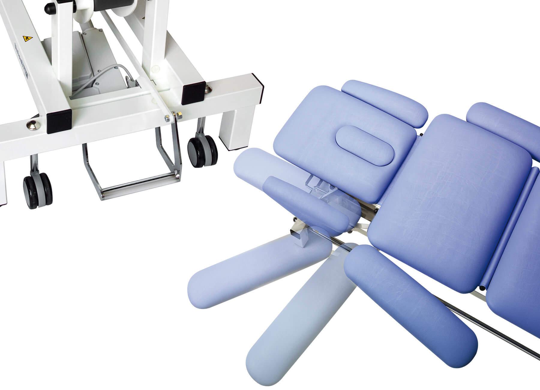 Therapieliegen zentralgebremste Räder, Armauflagen